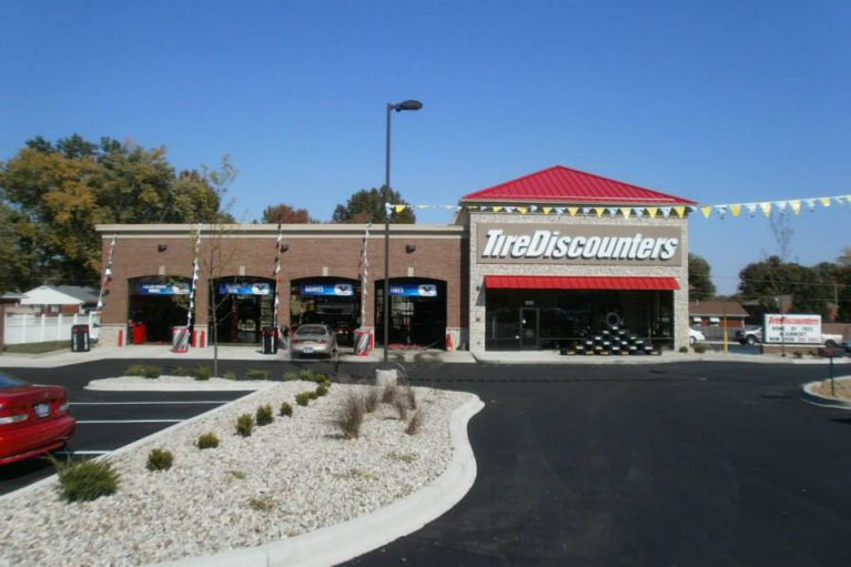 Exterior of Tire Discounters location in Louisville, KY
